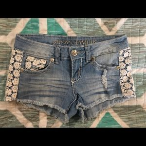 Almost Famous Women's Shorts